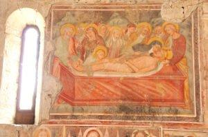 Chiesa di San Giorgio, affreschi della navata laterale destra: Deposizione di Cristo nel sepolcro