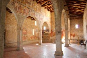 Chiesa di San Giorgio - Colonnato interno