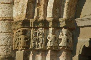 Chiesa di San Tomè, particolare delle decorazioni esterne